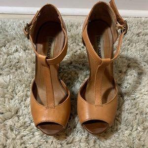 Steve Madden tan platform heels